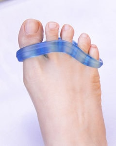 Toe separator for bunionectomy recovery